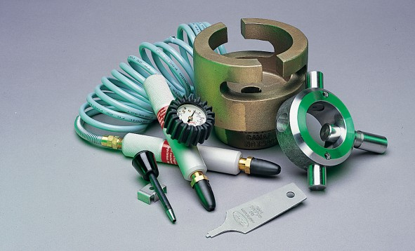 Inflation, deflation, and maintenance tools for air shafts and chucks